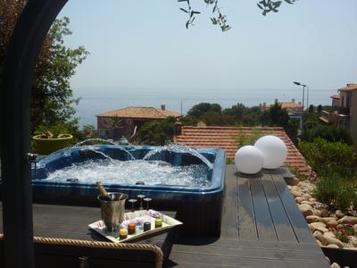 Villa santa Lucia - bord de mer avec jacuzzi