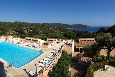 T2 idyllique,vue mer,piscine,tennis, plages à pied