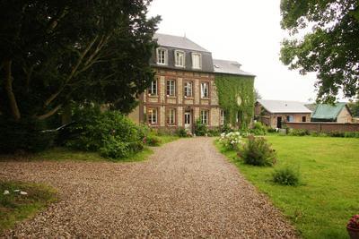 La tourelle est un petit manoir du 18e avec jardin