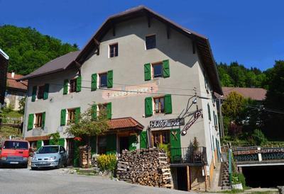 Location grand gîte en Chartreuse (Isère) 15 place