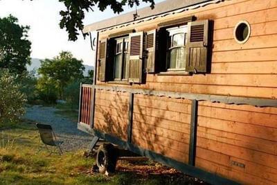Roulotte avec spa privatif à Vogüé près des Gorges