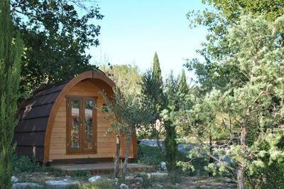 La Cabane Pod insolite à Vogüé près des Gorges