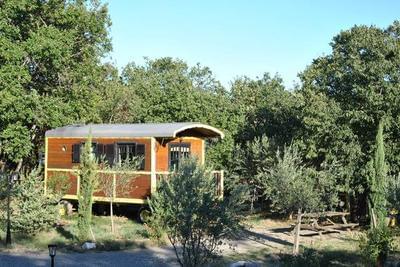 Roulottes et Cabanes en Ardèche Sud pour 2/5 pers