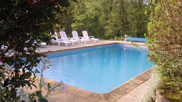 Chalets 2 à 5 personnes, piscine, pleine nature