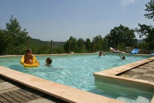 LES GITES DE CHAUZON 1 avec piscine