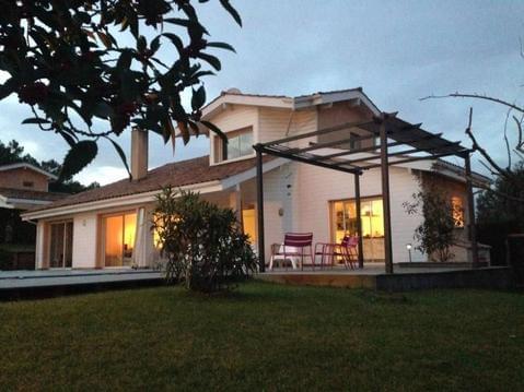 Villa 16 pers, piscine privée, à 200m de la plage