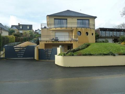 Appartement avec terrasse et super vue sur la mer