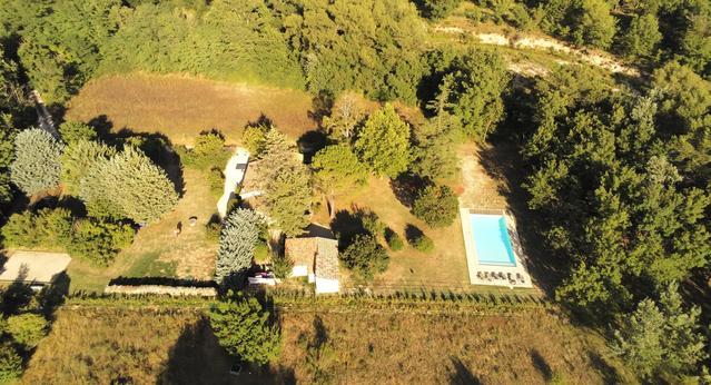 Maison avec grande piscine en plein centre Luberon
