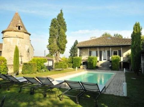 Belle propriété avec terrasse couverte