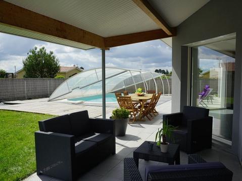 Maison moderne avec piscine, aux portes de la plag