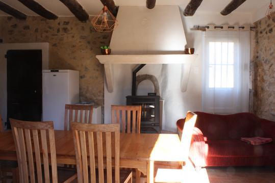 Bastide provençale et sa ferme près de Sisteron