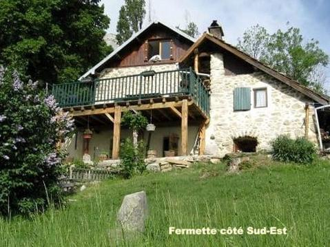 Fermette dans la prairie / Hautes - Alpes / Tarifs