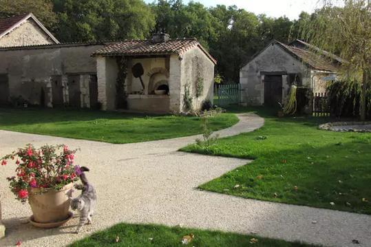 Les Tortues, maison dans campagne poitevine, 3 *