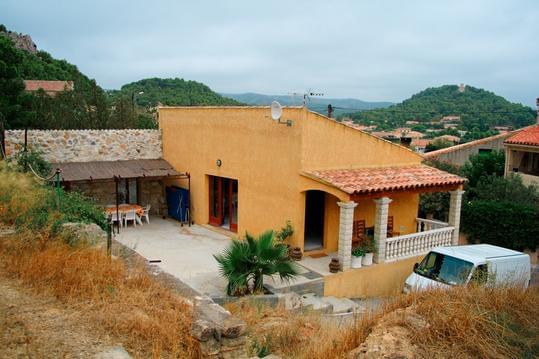 Maison avec piscine à Roquefort des Corbières