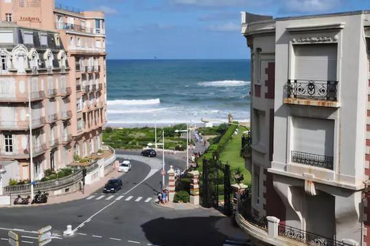 Biarritz, F3+Parking, centre près plage commerces