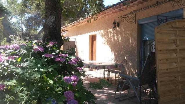 gîte à BONNIEUX au cœur du luberon en Provence