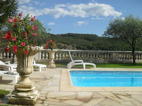 villa logement entier piscine chauffé actuellement