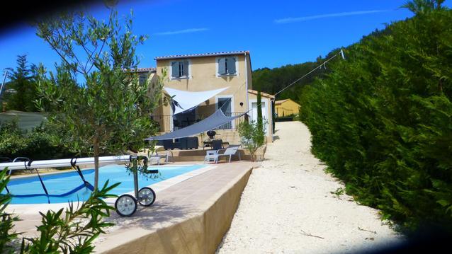 Charmante petite Bastide, piscine Drôme Provençale