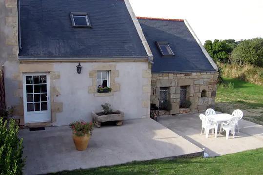 Maison bretonne à 500 m de la mer 4 Kms AUDIERNE