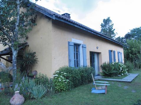 maison 14 pers, piscine privative et  grd jardin