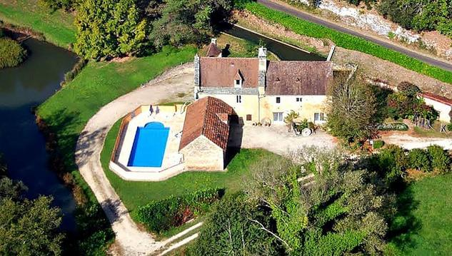 Moulin  avec piscine et étang à 5km de Sarlat