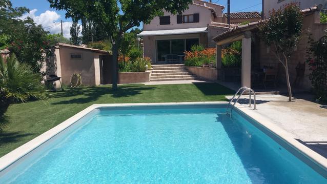 Villa climatiée avec piscine chauffée  (8 pers)