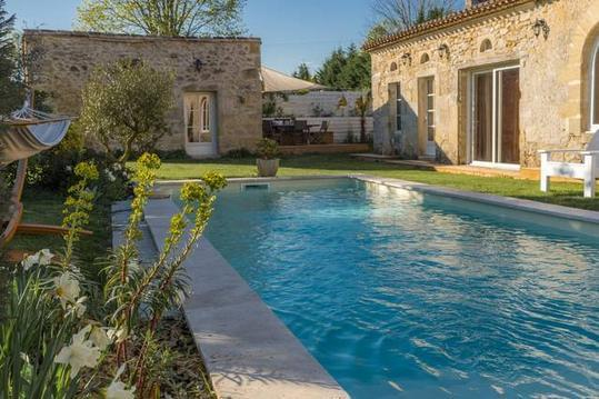 Spa & piscine privés, proche de St Emilion