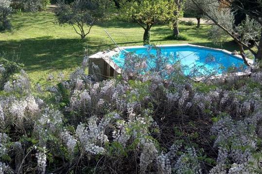 bastidon 4/6 personne avec piscine - Les Lavandes