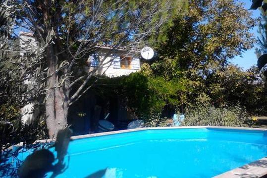 bastidon 4/6 personne avec piscine - Les mimosas