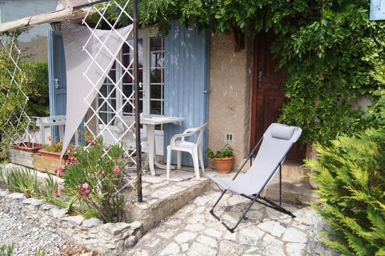 Studio et petit déjeuner en Provence