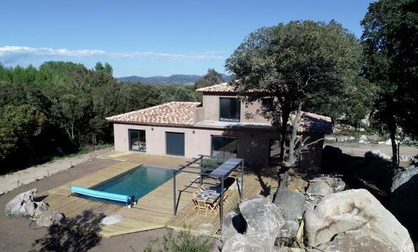 Villa avec piscine, neuve 2019
