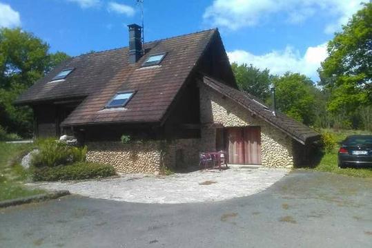 Studio dans le Périgord vert proche de Périgueux