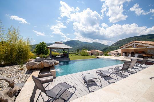 villa avec piscine privée en Provence