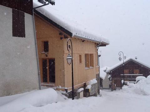 Grange d'alpage hameau de montagne.