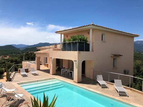 Pinarello villa vue mer piscine chauffée et clim