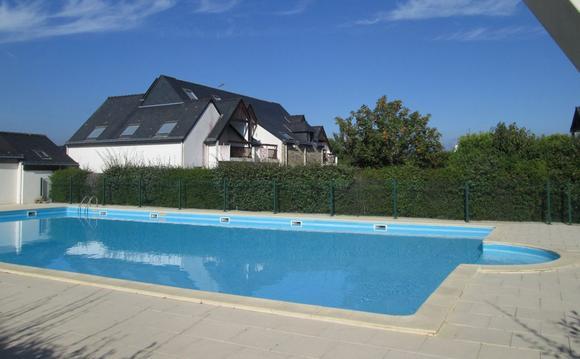 Calme, 3 pièces avec jardin résidence avec piscine
