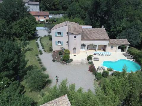 Grande villa pour 19 dans le sud de la France