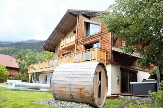 magnifique chalet montagnard avec sauna et jacuzzi