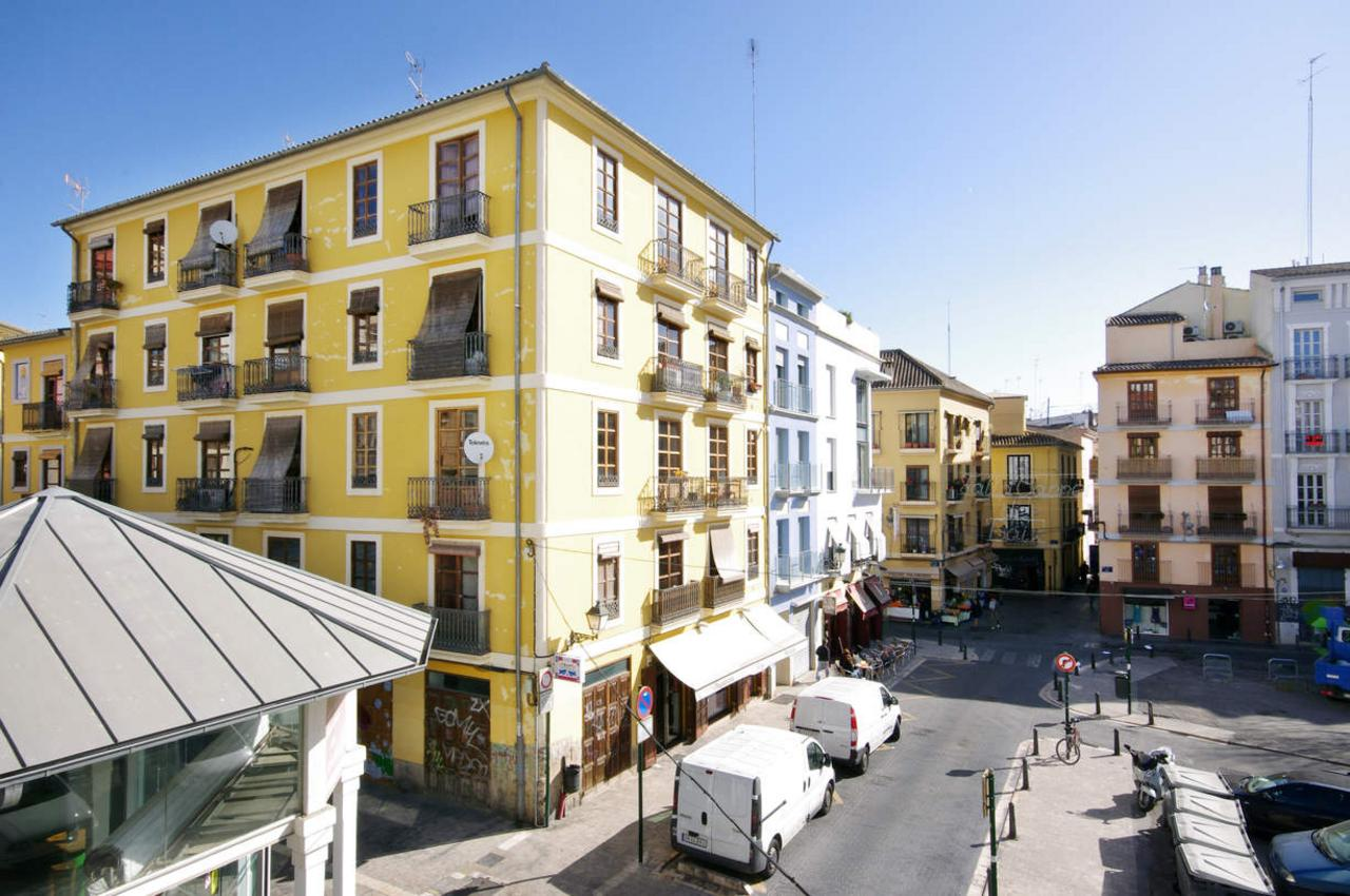 1 Bedroom Apartment with balcony. Old Town. Valencia. MS1 ...