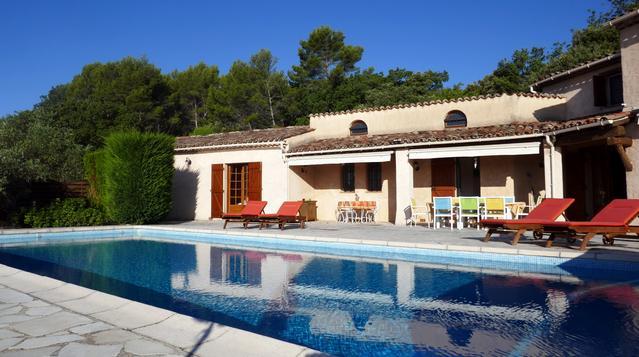 Grande villa provençale sur magnifique propriété