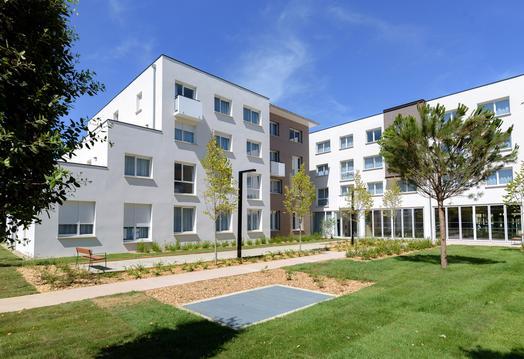 Appartement équipé dans résidence neuve + parking