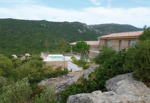 MAISON AUX VENTS proche mer avec piscine